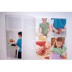 Balkezes a gyermek (Lauren Milsom) 5000Ft alatt Könyv Lauren Milsom